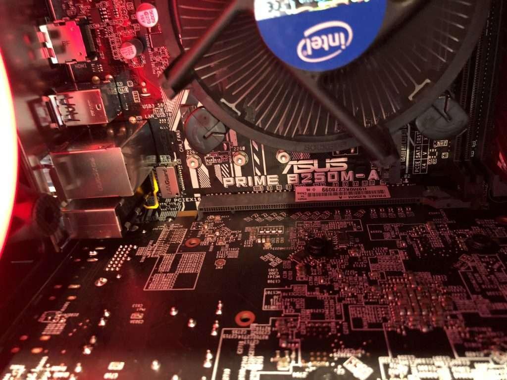 Adding a GPU with Powered PCIe Risers – Maker Hacks